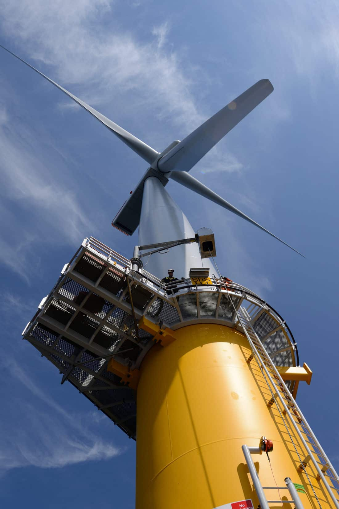 Sheringham Shoal Offshore Wind Farm courtesy NHD-INFO via Fklickr (CC BY SA< 2.0 License)