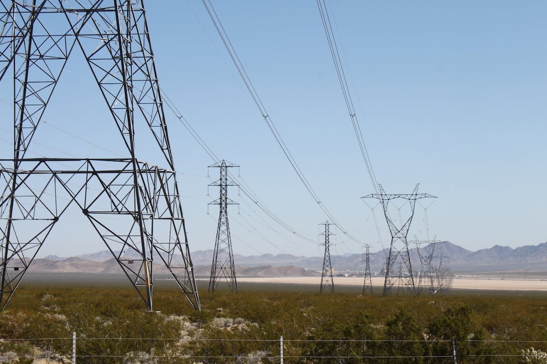 Ivanpah electric power generation station by Bill & Vicki T via Flickr (CC BY SA, 2.0 License)