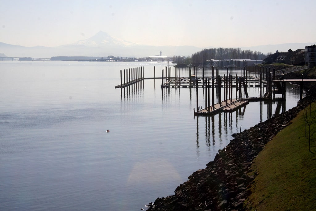 Columbia River from Interstate Bridge by brx0 via Flickr (CC BY SA, 2.0 License)