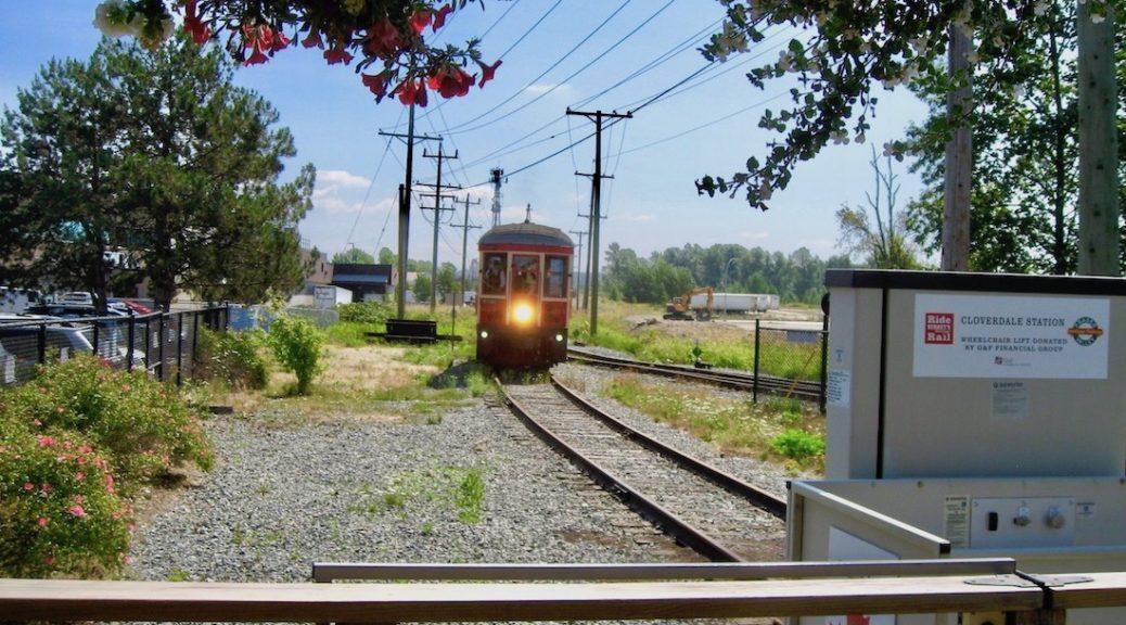 BCER 225 pulls unto Cloverdale station - Roy L Hales photo