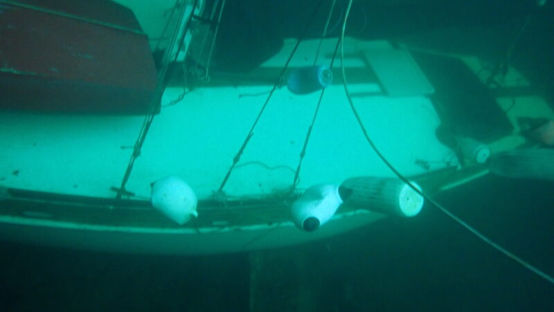 sailboat sinks