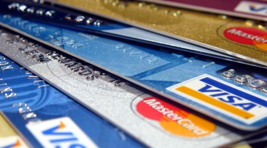 Whaletown POst Office accepts credit cards
