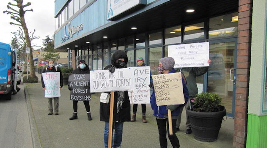 Staggered protest in Campbell River